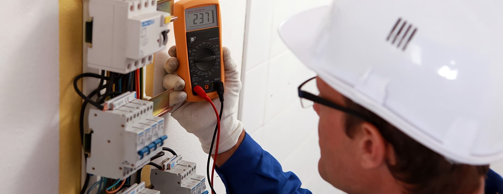 electrician using safety equipment
