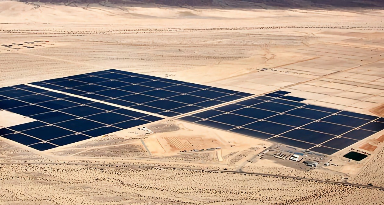 World S Largest Solar Plant Now Active In California