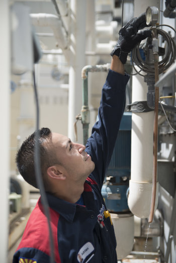 industrial hvac technician in the field