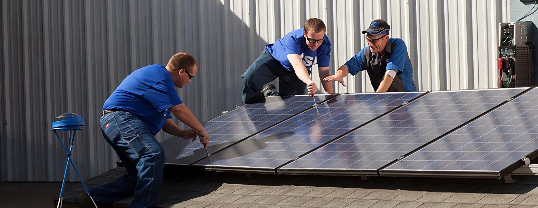 students learning solar installation