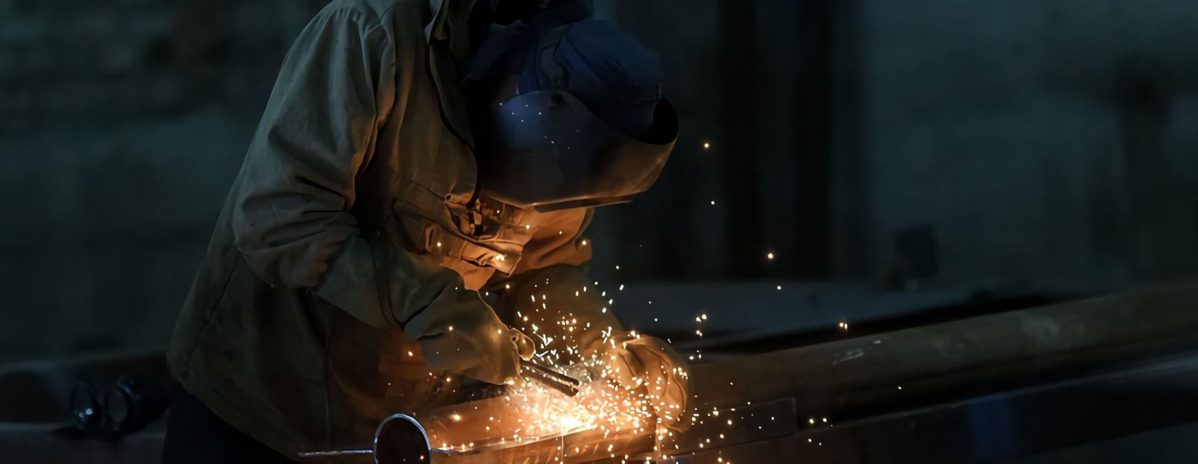 welding a pipe